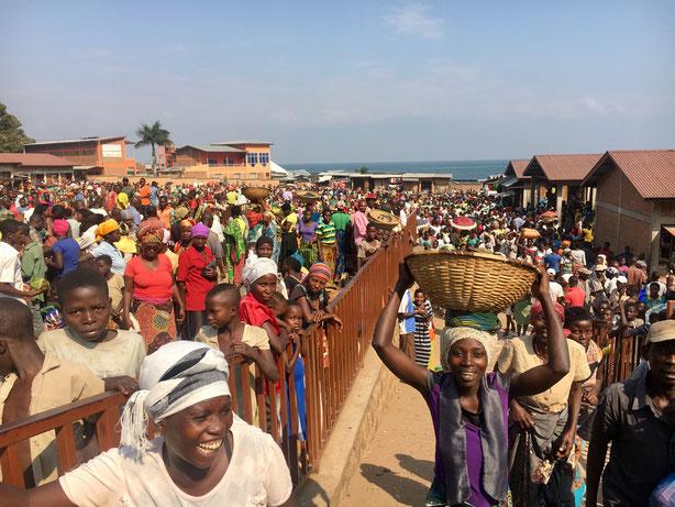 Markt ausserhalb von Bujumbura Richtung Mutumba
