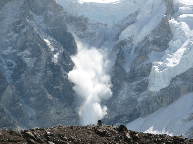 Avalanche on Everest by Chagai. Public domain.