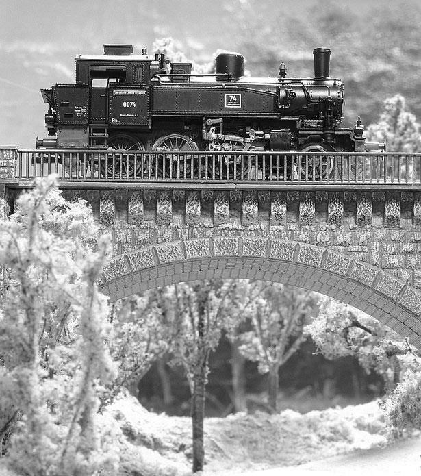 Lok 74 der WLE, Modell von Liliput Wien