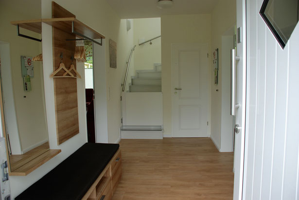 Einrichtung Flur Erdgeschoss mit Kindersicherung an der Treppe