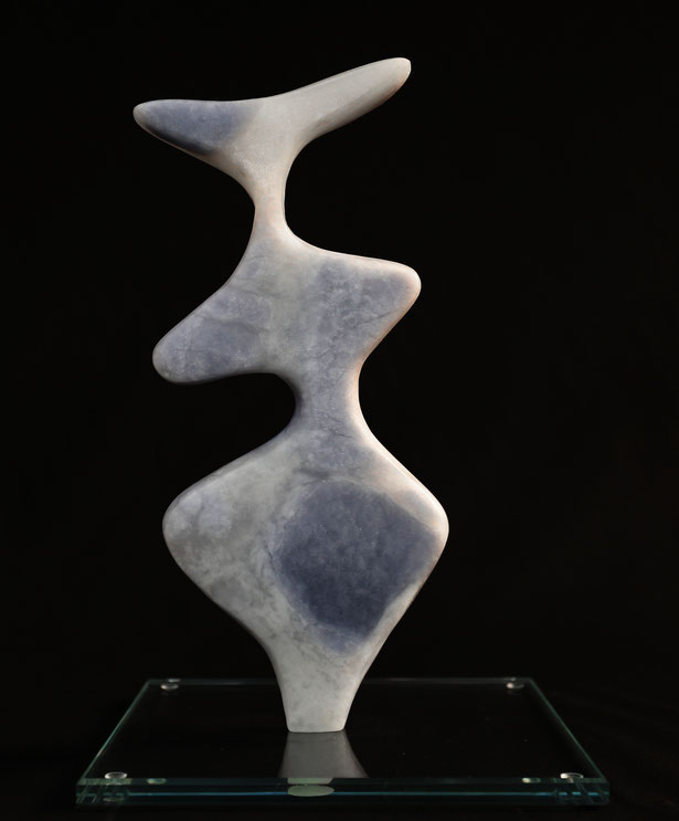 Heidrun Feistner: Le coq est mort - 2 / Alabaster blau / Foto HF