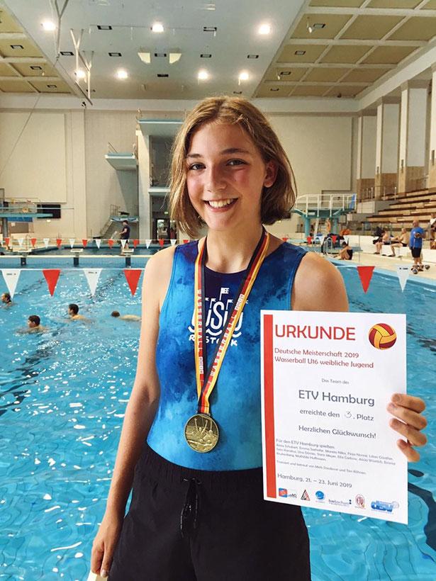 Wir freuen uns mit Mathilda Hoffmann über ihren tollen Erfolg!