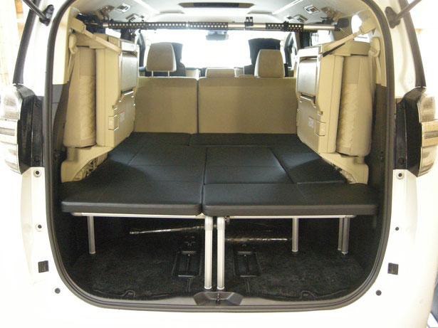 ヴェルファイア、アルファードで車中泊・キャンプを楽しむことができるように、ベッドキットを製作しました。