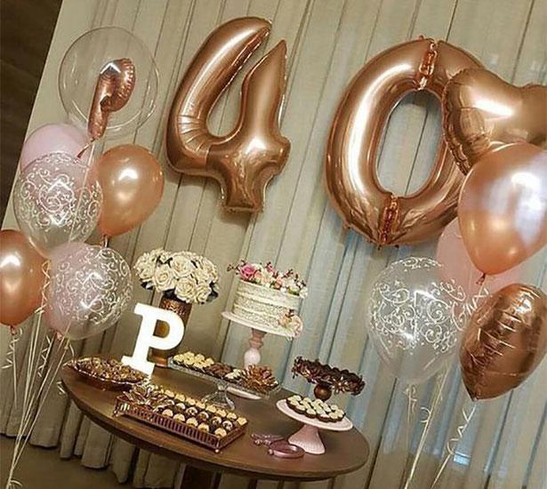 mesa de postres para fiesta de 40 años