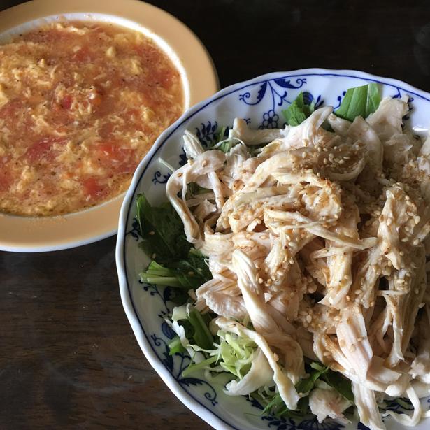 鶏むね肉を使った蒸し鶏サラダと煮汁を使ったスープ~松岡さん.comのおやぢめし画像
