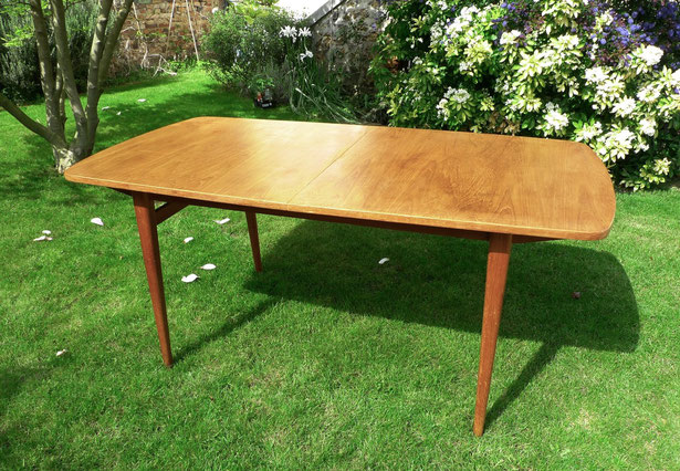 JOLI table teck, scandinave, rallonges
