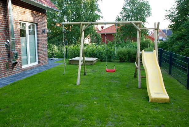 Spielplatz und Sonnenwiese , Dat Roode Hus 39.