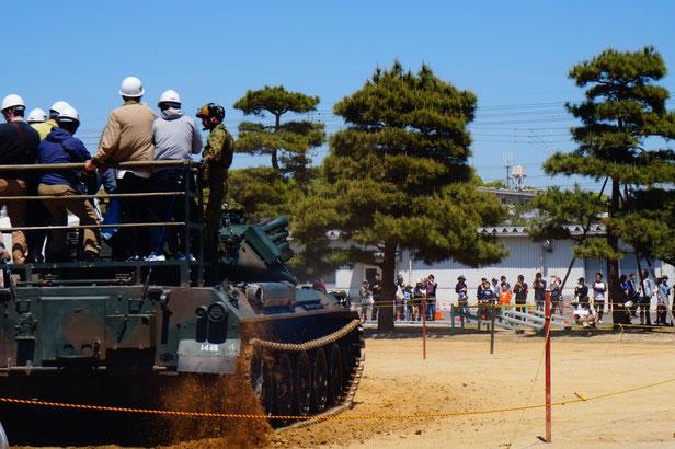そして今回のメインイベント、戦車体験搭乗。
