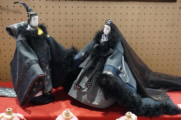 畳縁を使った黒でまとめたシックなお雛様。
