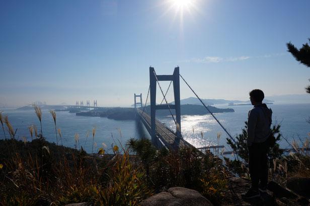 すこしかすんでいましたが、ここからの瀬戸大橋は絶景です。