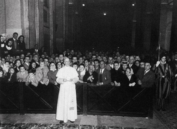Pio XII con Gruppo di preghiera Padre Pio