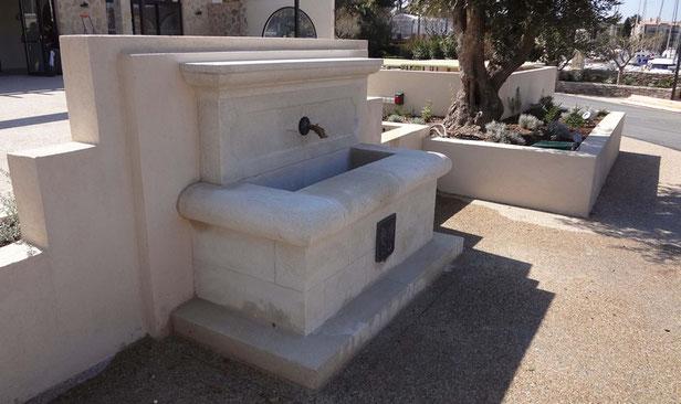 fontaine-pierre-taille-embiez-paul-ricard-pose-var-83-vente