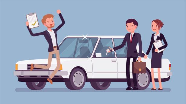 Weißes Auto drei Personen die davor stehen und sich freuen