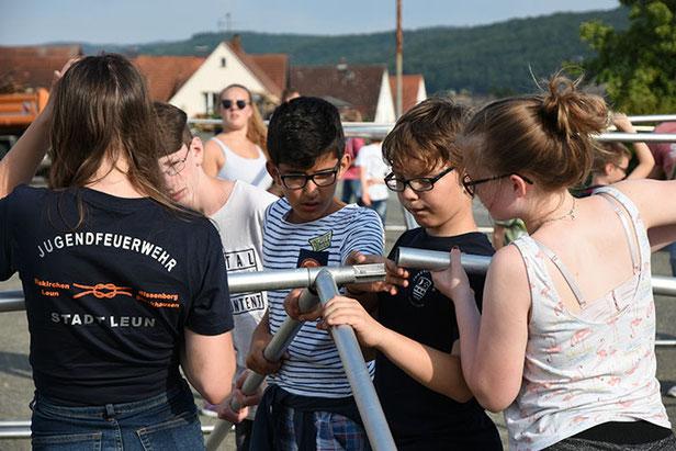 Jugendfeuerwehr zeltet in Waldsolms
