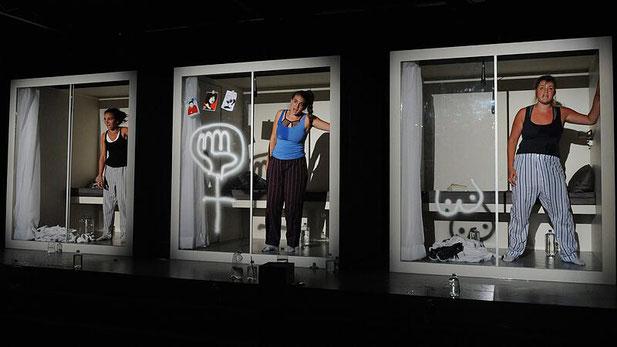 Szenenfoto Theater Phönix 2019, Ensemble (c) Helmut Walter