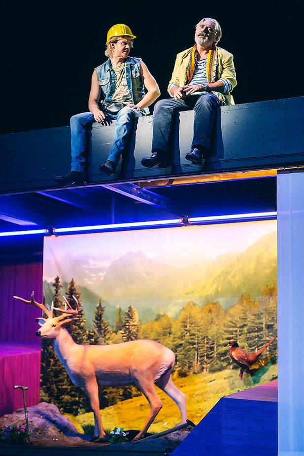 Szenenfoto Schauspielhaus Graz 2016, Nico Link u. Franz Xaver Zach (c) Lupi Spuma