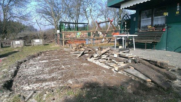 Die alte Terasse war durch die Witterung baufällig und wurde daher vorsorglich abgerissen