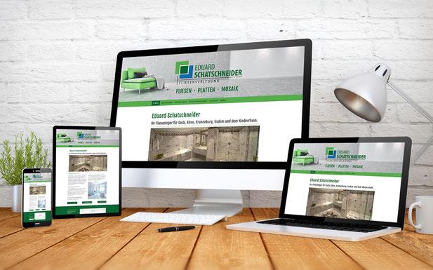 Ansichten einer Homepage auf mehreren Endgeräten, z.B. Laptop, Tablet PC und Smartphone.