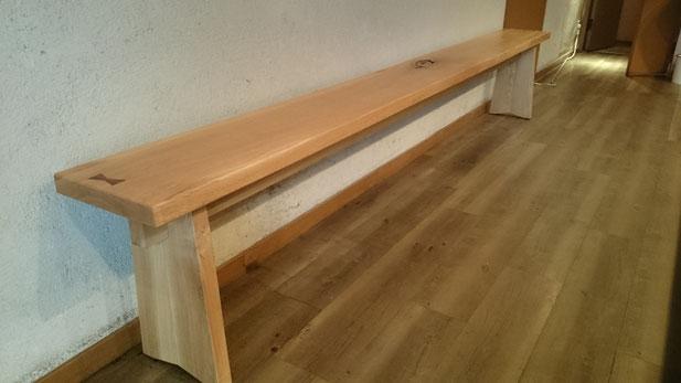 無垢材で自然健康塗料仕上げの家具製作