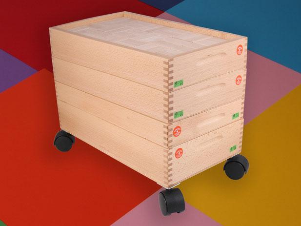 Holzspielzeug Beck kompletter Bauwagen mit 4 Kästen