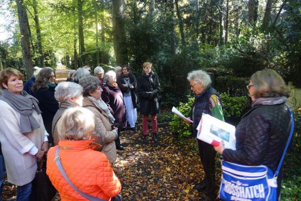 Führung mit Lyrik von Dichterinnen auf dem Melatenfriedhof mit Renate Fuhrmann und Irene Franken