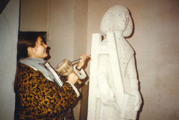 Die Bildhauerin Elisabeth Perger gestaltet die Ratstumfigur der Anna Maria van Schuurman, © Die Turmkoop/Irene Franken