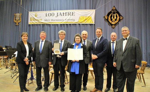 Verleihung der Zelterplakette durch Fr. Dr. Heike Otto