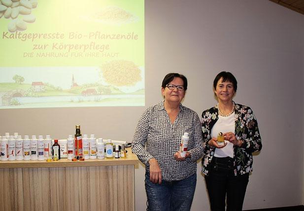 v.l Hedi Soester und Bettina Simon-Hilgert