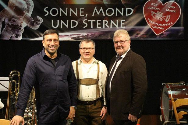 Gerd Backes, Frank Schön Trachtenkapelle Gronig, Ortsvorsteher Toni Schäfer