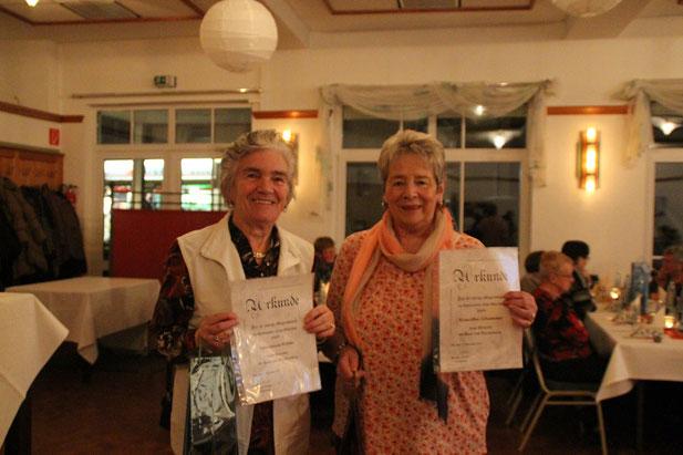40 Jahre Vereinszugehörigkeit: Marianne Höhle und Roswitha Schummer