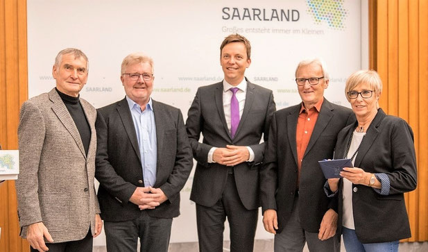 v.l Toni Reinert, Toni Schäfer, Ministerpräsident Tobias Hans, Manfred Kasper, Mia Haupenthal