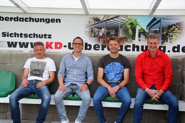 Ganz lässig hucke se do: v.l. Frank Keller, Mathias Burg, Oliver Wilhelm, Günter Kasper