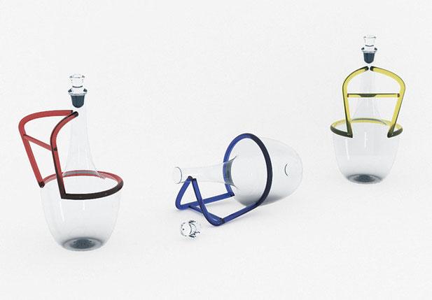 Carafe originale en verre avec anse colorée. Carafe à décanter ou aérer le vin en position horizontale et verticale.