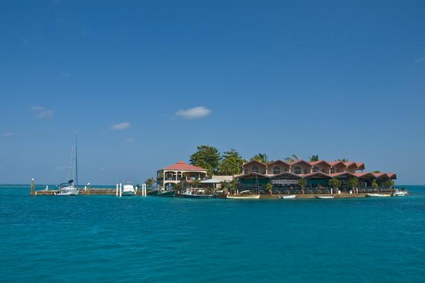 Saba Rock - eine kleine Insel mit Yacht Club nähe Virgin Gorda
