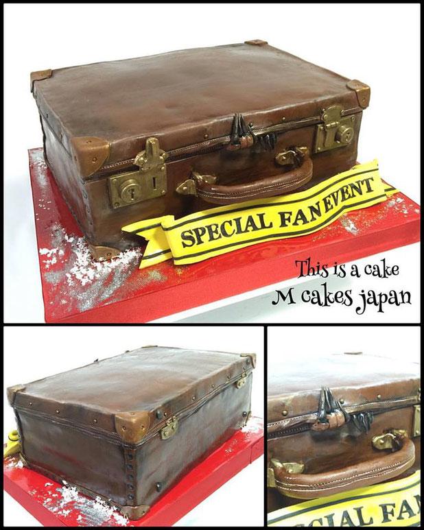 #ファンタスティックビースト #カバン  #魔法 #ハリーポッター #魔法使いの旅 #ニュートスキャマンダー #ケーキ #イベント #harrypotter #fantasticbeasts #magician #bag #cake #fondant #fondantcake #fantasticbeasts早く見たい!!