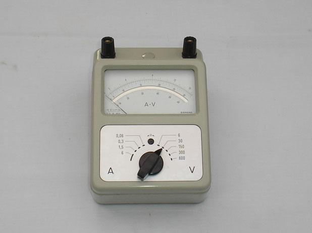 Effektivwert - Messgerät Fertigungsjahr 1960 von Siemens & Halske Berlin