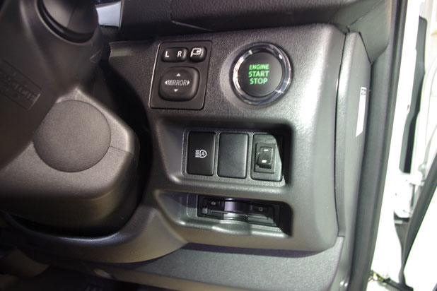 ハイエースで車中泊、キャンピングカーを作るなら、OSPトランポキットがオススメ