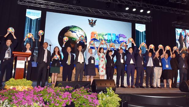 第 8 回健康都市連合国際大会の開会式(マレーシア・クチン市)