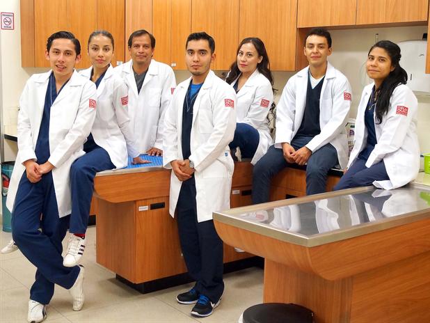Personal Médico Hospitales de Mascotan en Petco La Noria y Angelópolis
