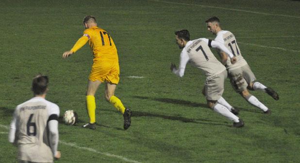 Das Tor zur 2:0-Führung: Lukas Koets tanzt die BW-Abwehr aus und trifft rechts oben in den Winkel.