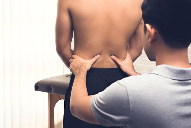 Die Dorn Therapie in basel bei der Physiotherapie Santewell durch erfahrene Dorntherapeuten