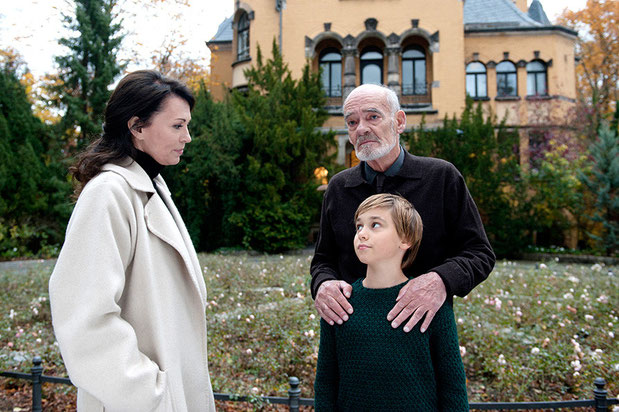 Iris Berben, Hans-Michael Rehberg and Louie Betton during the filming of Rosa Roth.
