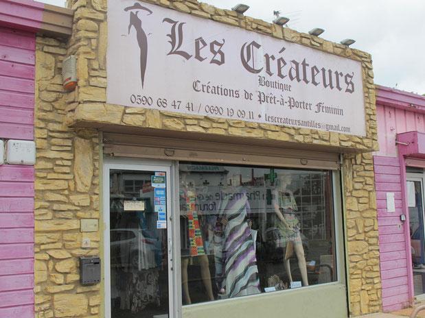 La boutique Les Créateurs est située à Grand-Camp, aux Abymes. (Photos : C.L.)