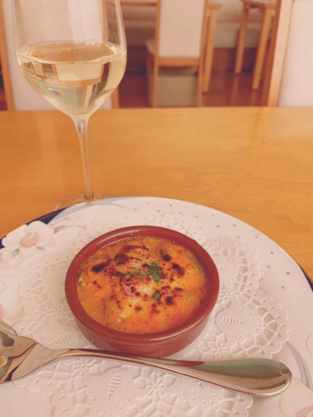 牡蠣のオーブン焼き。グリルオイスター。トックブランシュ ランチ ディナー