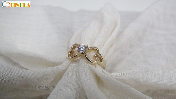婚約指輪にメッセージを刻む