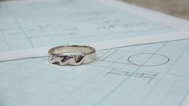 世界にひとつだけの婚約指輪
