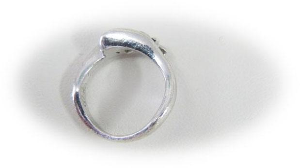 愛着の湧く婚約指輪