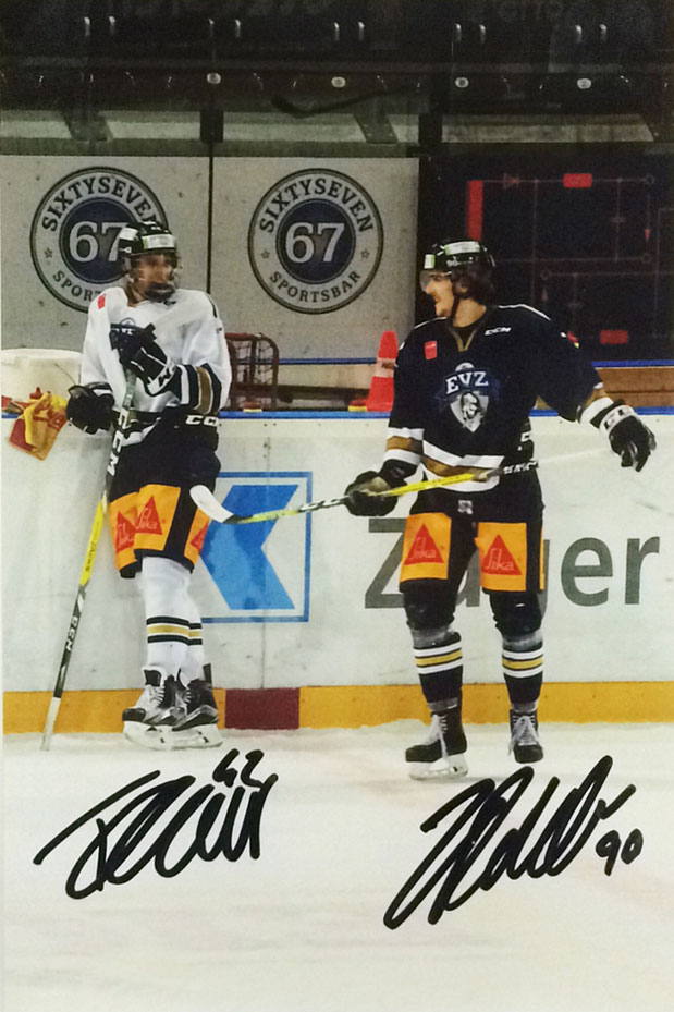 Tobias Geisser Nr 42 (drafted by the Washington Capitals) and Tobias Fohrler Nr. 90. both EV Zug, both came from the Farmteam into the first Team, Picture taken during training in Spring 2017, Autograph by Mail