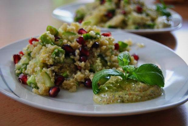 Detox Salat Rezept: Quinoa Minz Salat