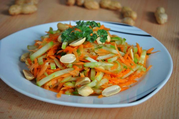 Detox Salat Rezept: Karotten Gurken Salat